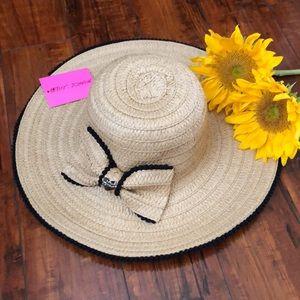 NEW Betsey Johnson Floppy Straw Pom Pom Summer Hat